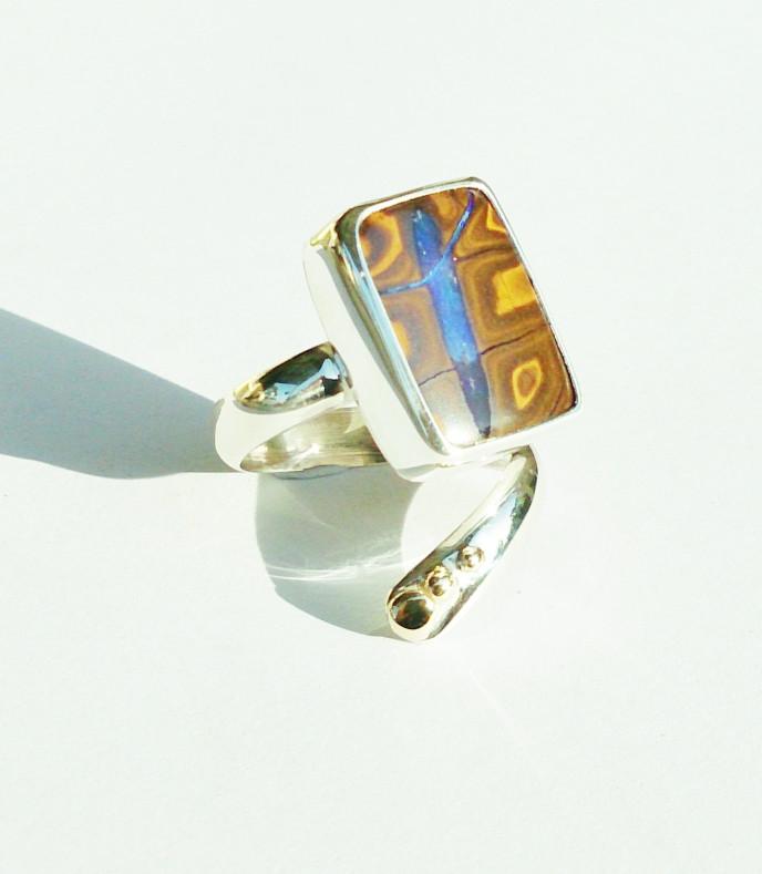 Boulder Opal, 925 Silver. 375 Yellow Gold