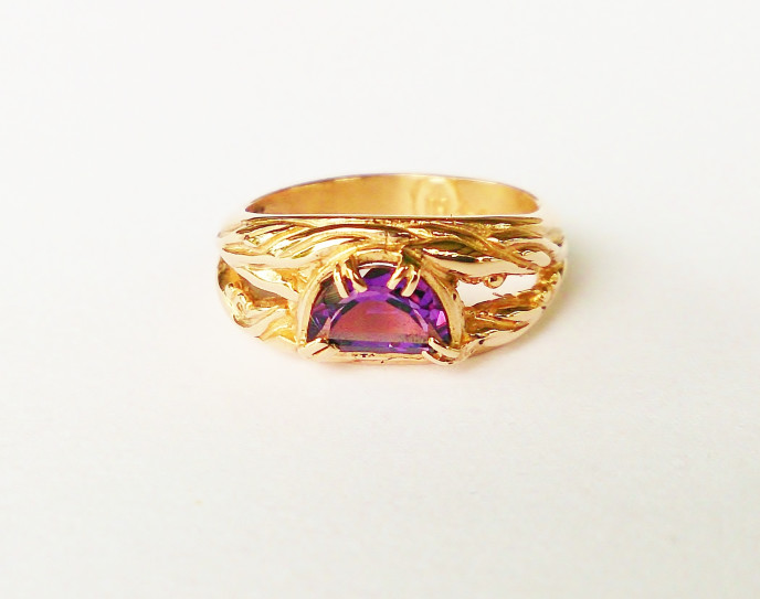 375 Rose Gold and Amethyst Ring Featuring Eucalyptus Leaf Design